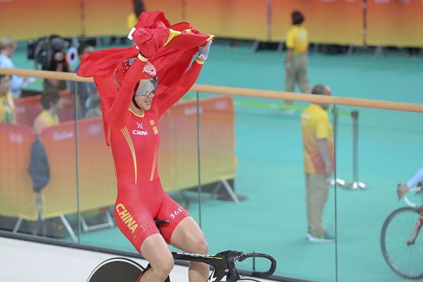 中国获得女子团体竞速赛冠军.jpg