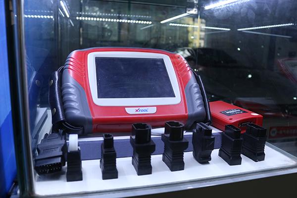 先进的检测设备轻松完成汽车故障检测.jpg