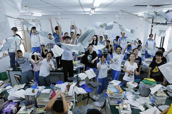 高考只是人生中众多考试中的一场考试.jpg