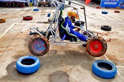 激烈的比赛中轮胎腾空,看我来一个神龙摆尾,我自己造的车还驾驭不了你?
